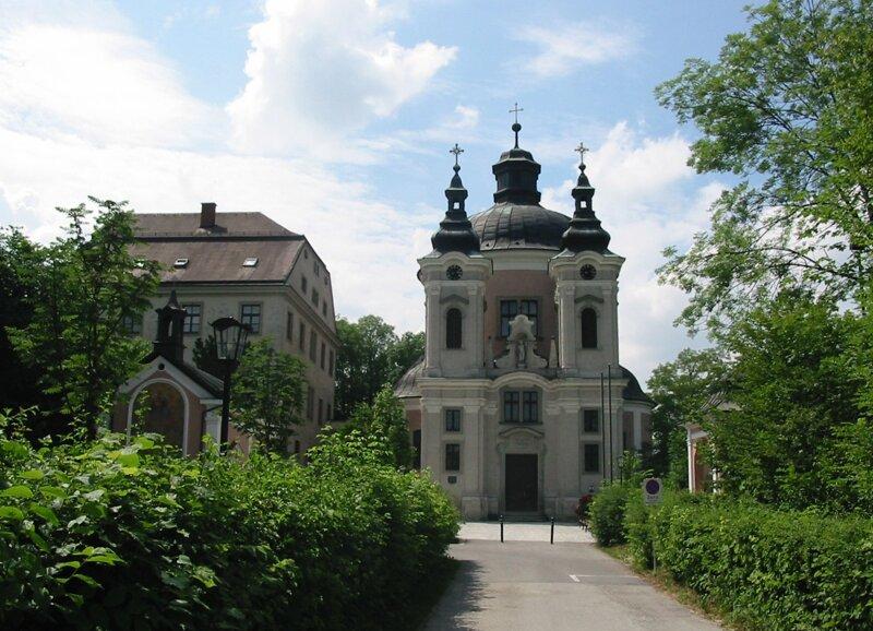 Wallfahrtskirche Christkindl im Sommer