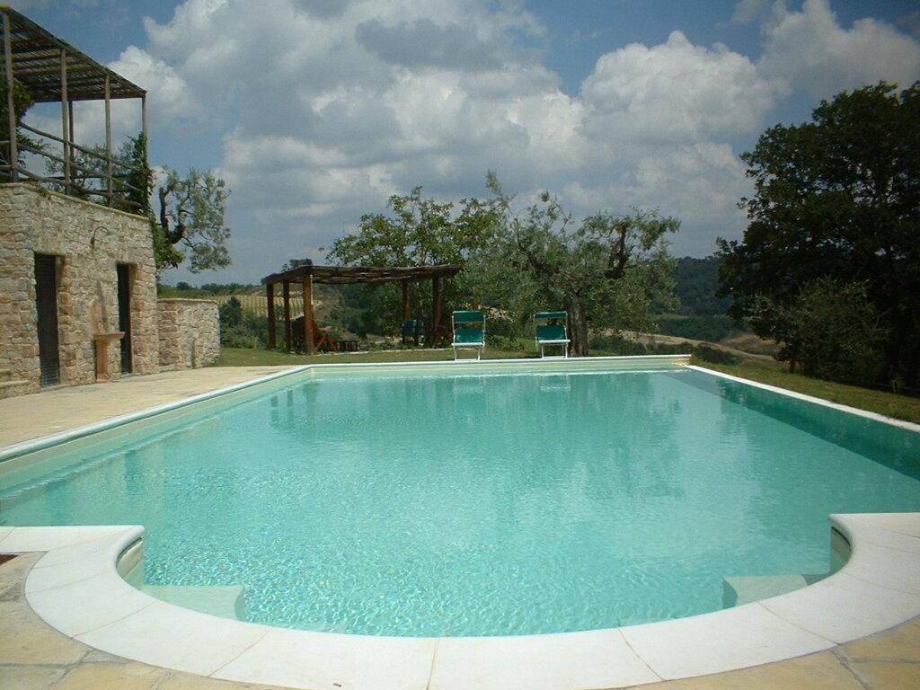 Montespertoli Le Fonti a San Giorgio Pool mit Ausblick