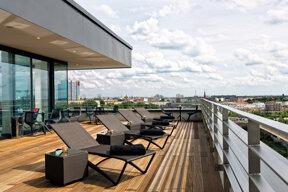 a.lounge-6thfloor-terrace