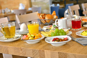 auswahl-buffet-fruehstueck-hotel-erb-parsdorf-muenchen-messe