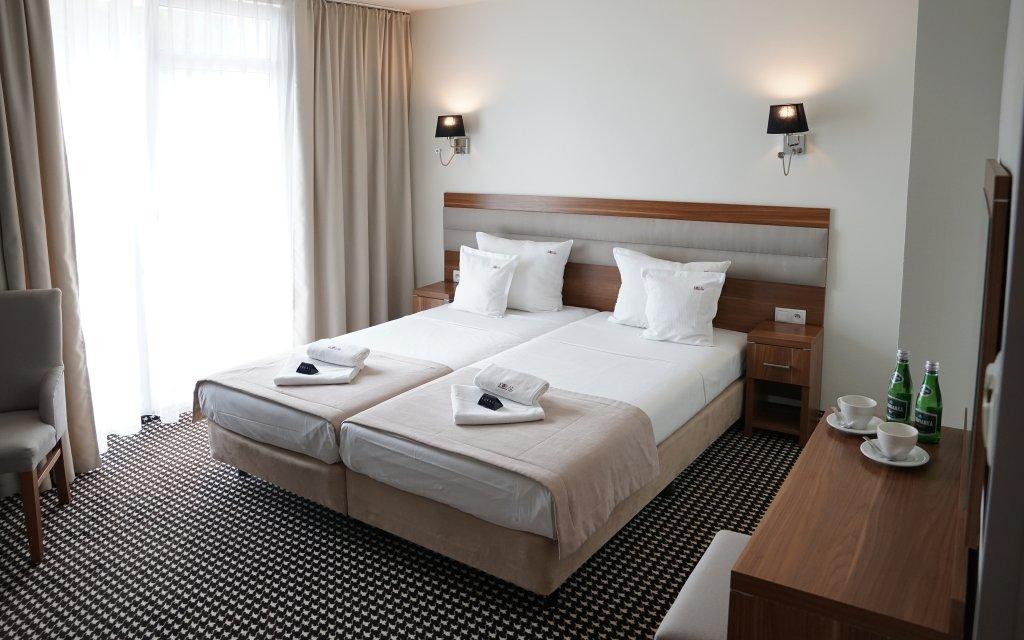 Hotel Koral Live