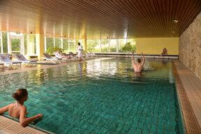 Schwimmbad 01 c Hotel