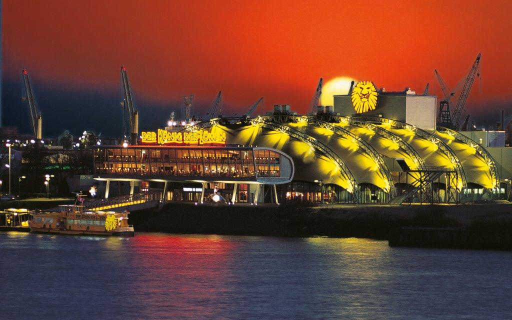 König der Löwen Stage Theater im Hamburger Hafen bei Nacht
