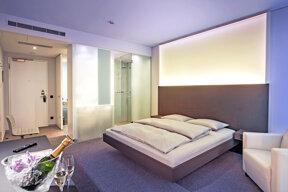 09aInnsideDusseldorfDerendorf-INNSIDE Guestroom
