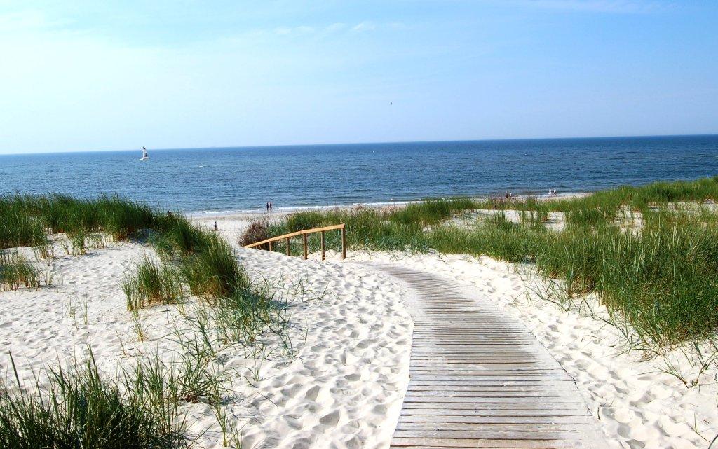 Strandaufgang an der Nordseeküste in Deutschland