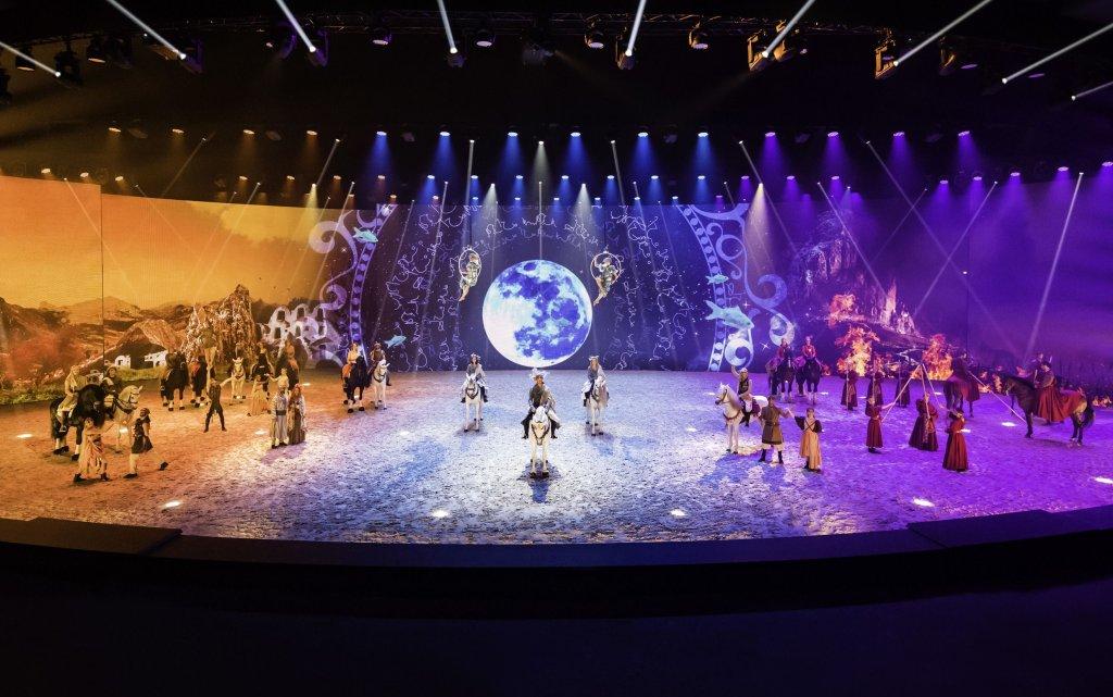 Szenenbild ausder  EQULIA Show mit Pferden in München