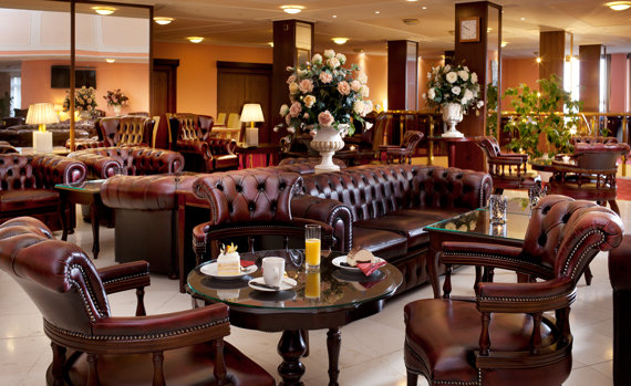 Lobby-Bar-Resort Monty