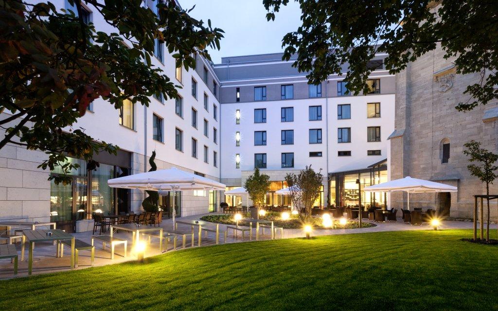Steigenberger Parkhotel Braunschweig Innenhof
