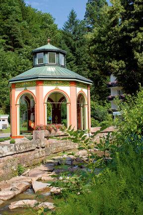 Brunnentempel Sophienquelle in Bad Peterstal C Kur- und Tourismus GmbH Bad Peterstal-Griesbach