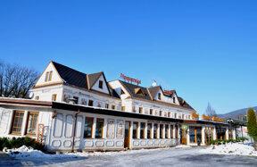 Hotel außen Winter