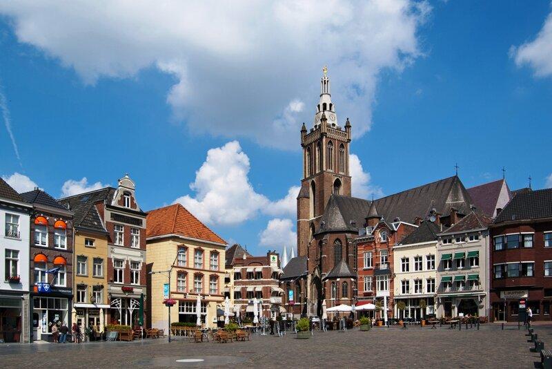 Roermond Marktplatz und Christoffelkirche