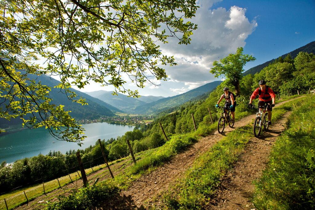 Zwei Biker in den Nockbergen bei Bad Kleinkirchheim