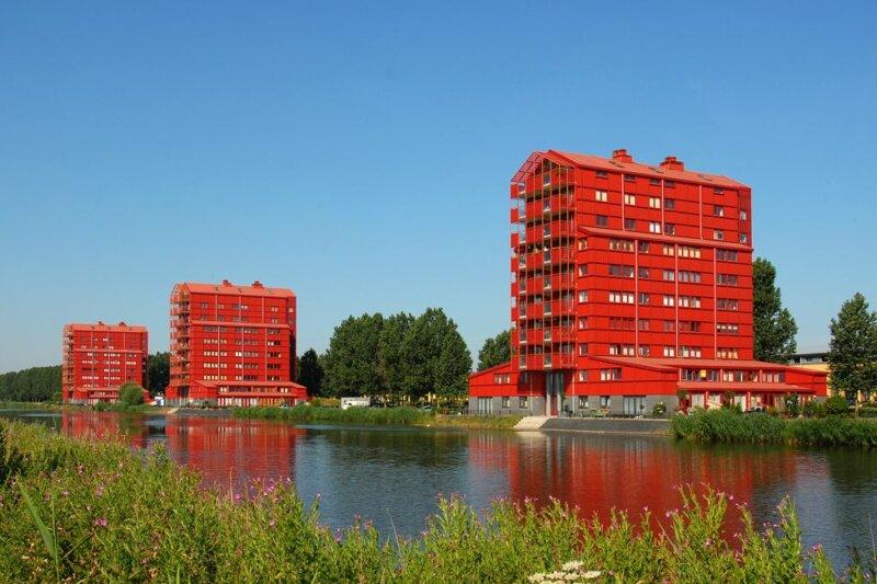 die roten Häuser von Almere