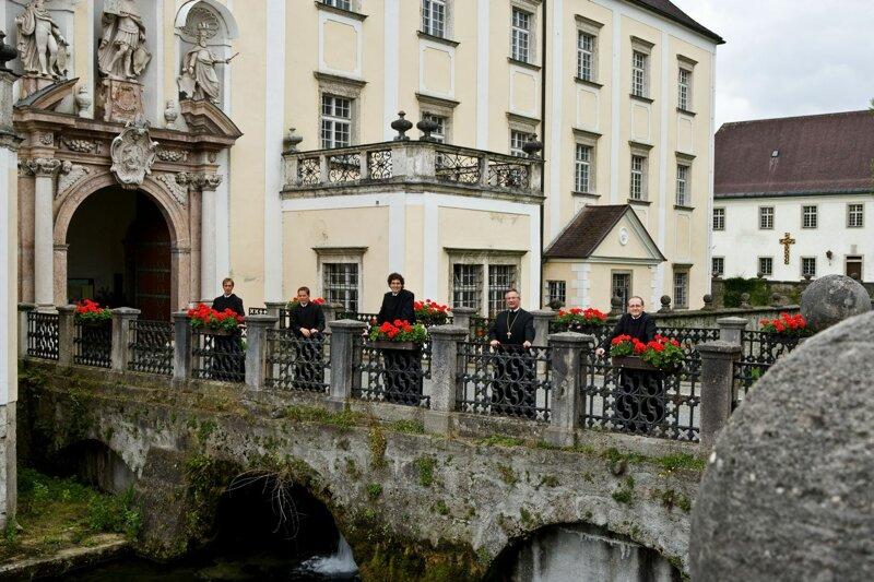 Kremsmünster Brücke Eingang Stift