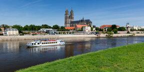 Magdeburger Dom mit Weisser Flotte ©Magdeburg Tourist www.AndreasLander.de