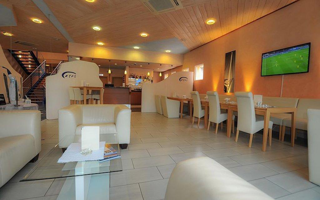 ates Hotel Straßburg-Kehl Bistro Lobby