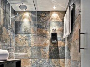 M Hotel Genk Badezimmer 1