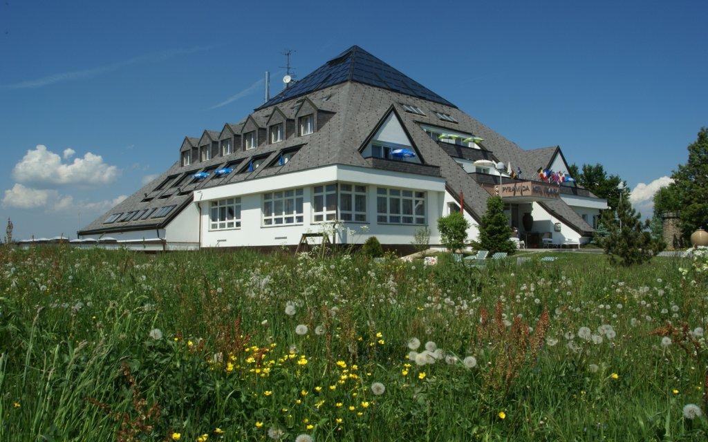 Franzensbad Hotel Pyramida aussen Außenansicht