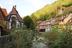 Kaysersberg, Häuser an der Weiss Okt14 c Martin Weisensel