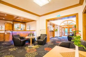 Lobby mit Hotelbar