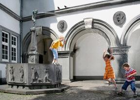 Schaengelbrunnen-C Gauls die Fotografen
