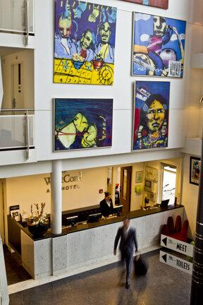 Art 3 08 Lobby