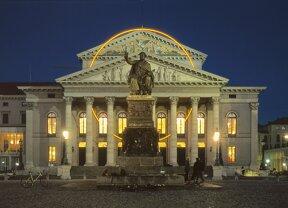 Nr. 1102 Nationaltheater bei Nacht Foto B. Roemmelt