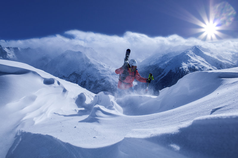 Skifahrer im Skigebiet Ötztal