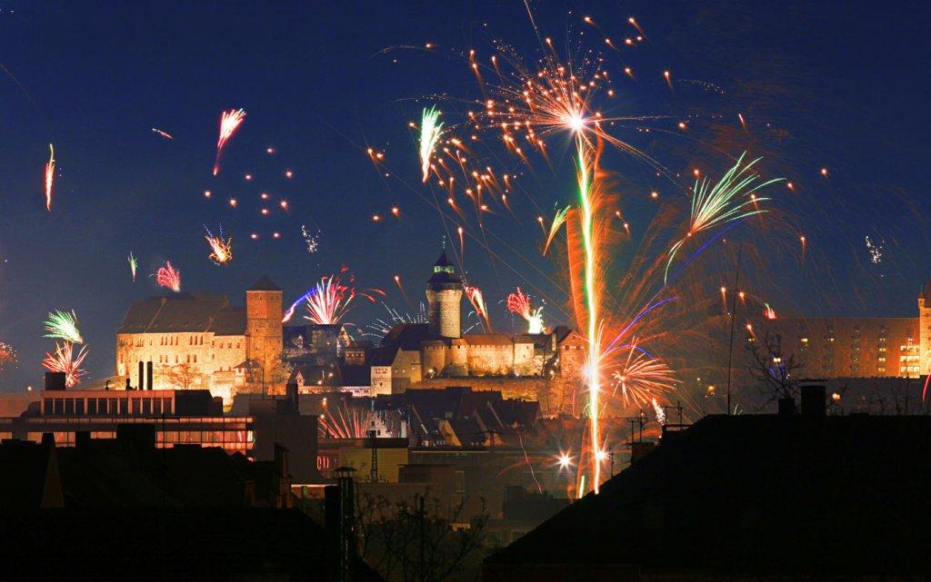 Feuerwerk über der Burg Nürnberg