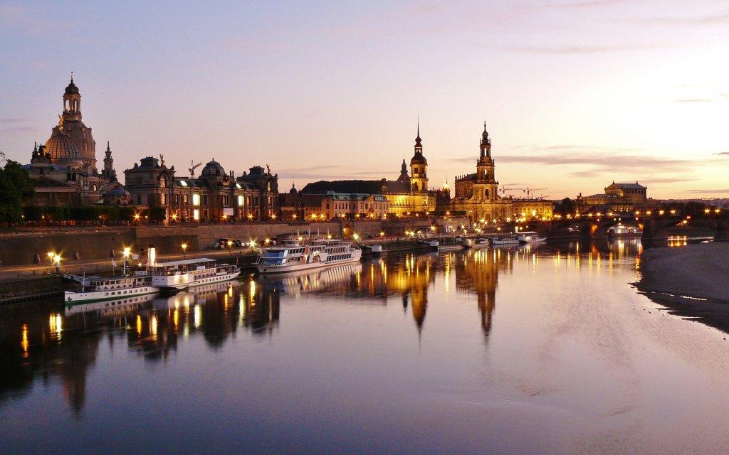 Dresden mit Blick auf Elbufer