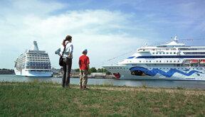 Kreuzfahrtschiffe © René Legrand