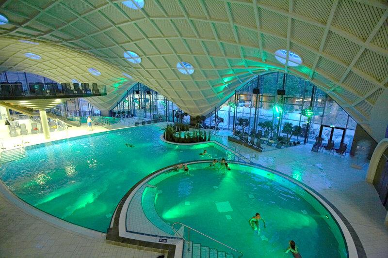 Toskana Therme Bad Orb - innen Pool