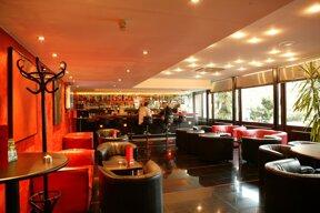 Alis Cocktail Lounge