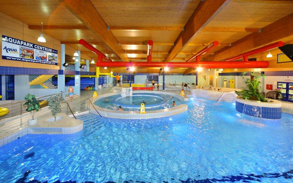 Aqua Park Spindlermühle Pool Schwimmbecken