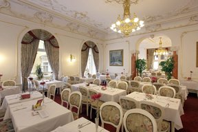 13 Resort Hvezda restaurace 03