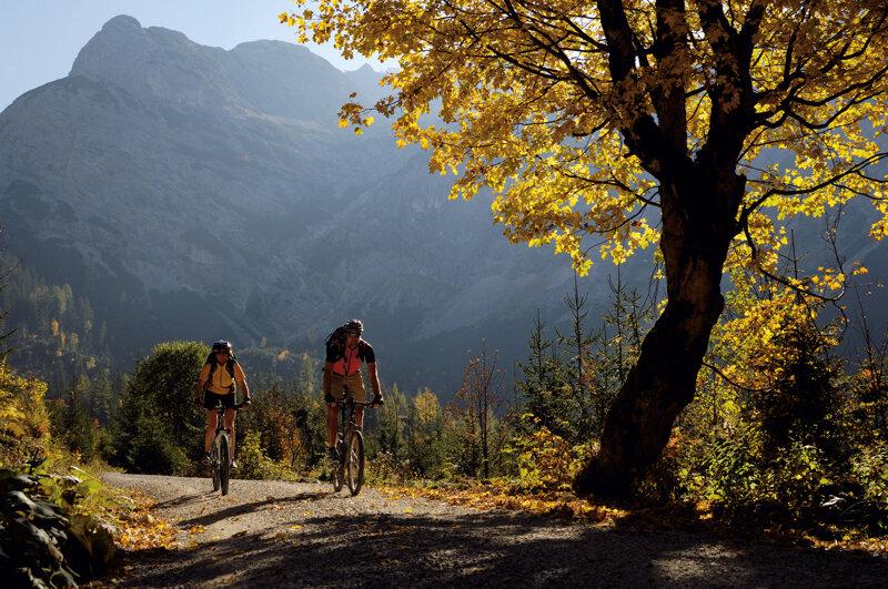 Fahrradfahrer in Karwendel