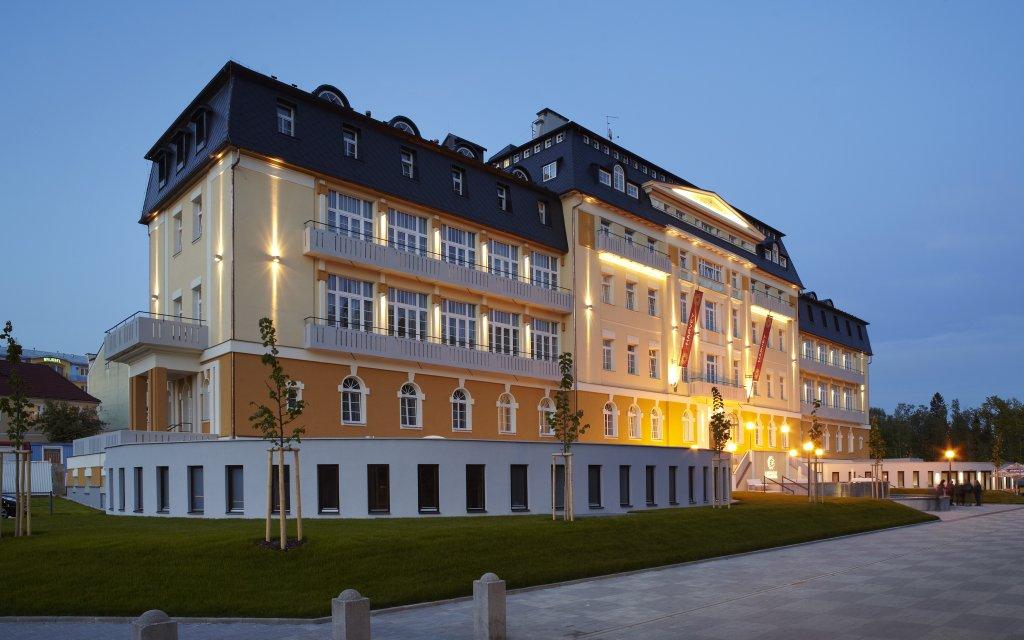 Franzensbad Spa & Kur Hotel Harvey aussen Außenansicht