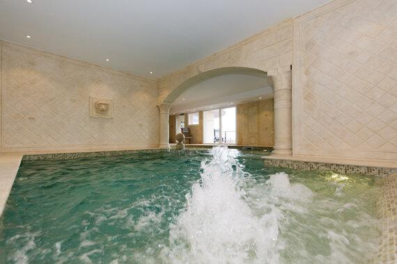 bains massants c Hôtel L'Alexain