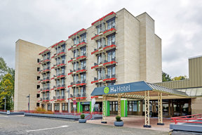 Aussenansicht H + Hotel