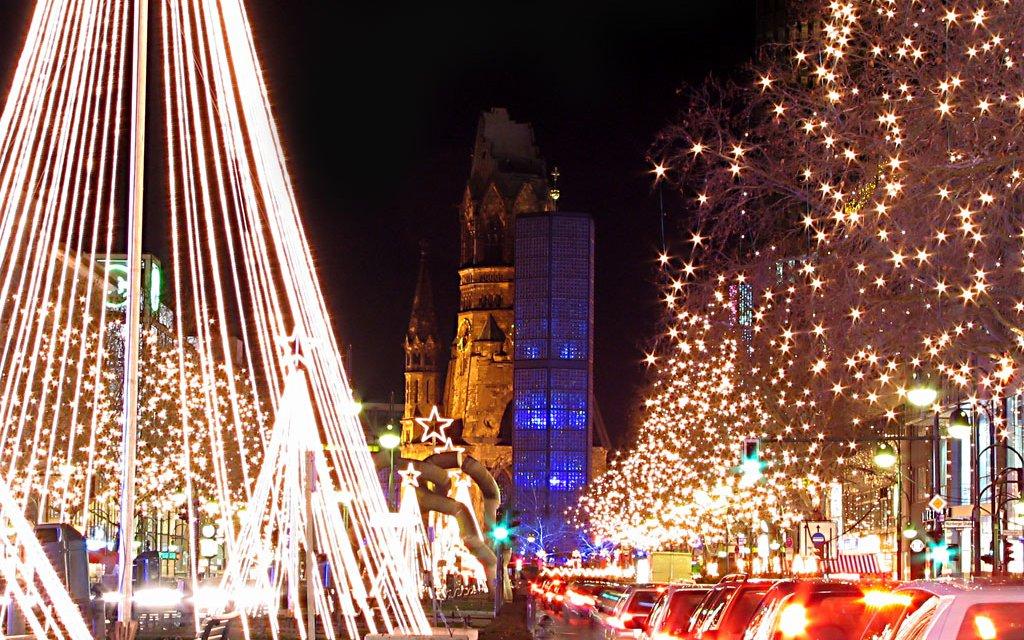 Weihnachtsmarkt an der Gedächtniskirche in Berlin