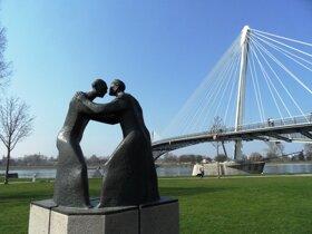 Bruecke mit Statue C Anja Leutelt