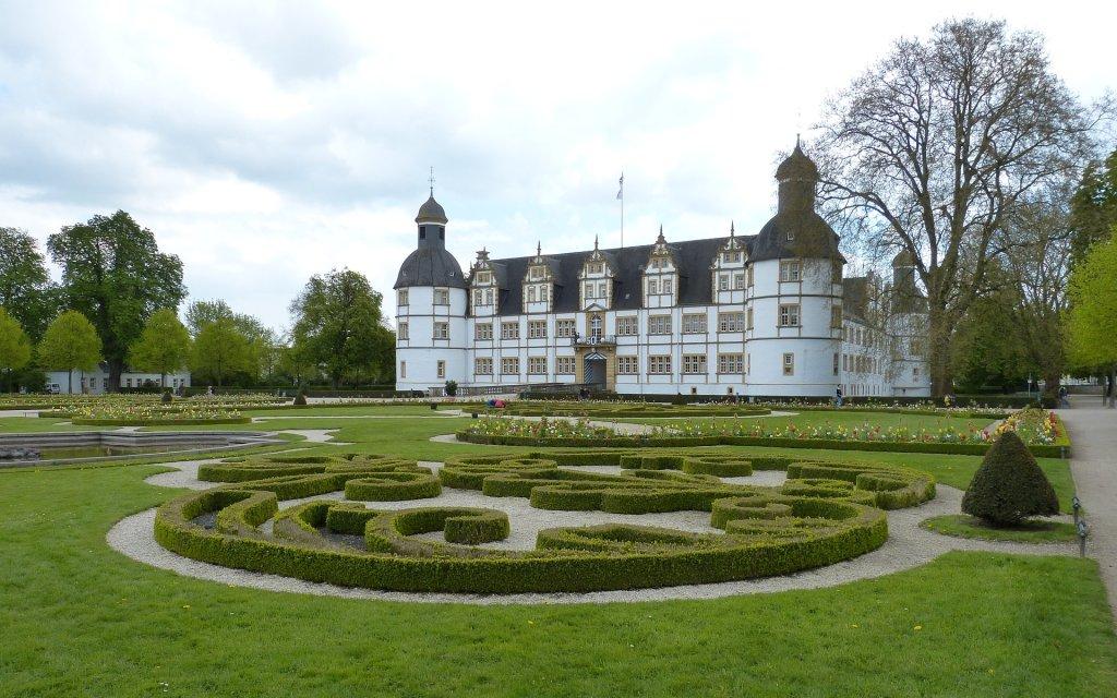 Schloss mit Schlossgarten in Paderborn