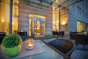 hotel-arcadia-badoeynhausen-außenansicht-abend-3-2014-lo