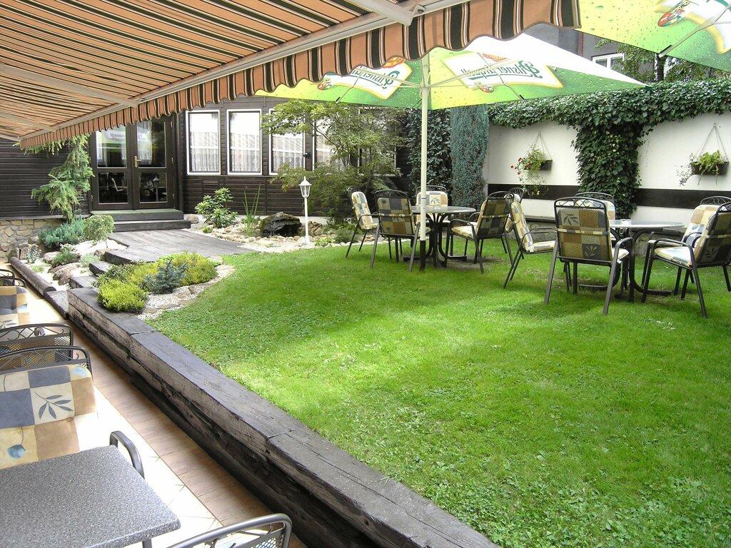 Pilsen Hotel Victoria Garten Terrasse