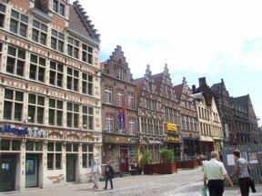 Der malerische Korenmarkt in Gent/Belgien