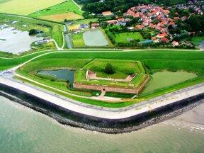 Fort Ellewoutsdijk c www.laatzeelandzien.nl Anita Eijlers