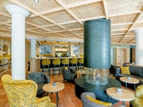 Lobby mit Bar