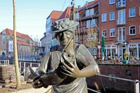 Fischverkäuferin Margarethe Flint, lokale Berümtheit c STADE Marketing und Tourismus GmbH, Martin Ensel