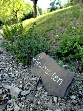 zum Kräutergarten hochkant