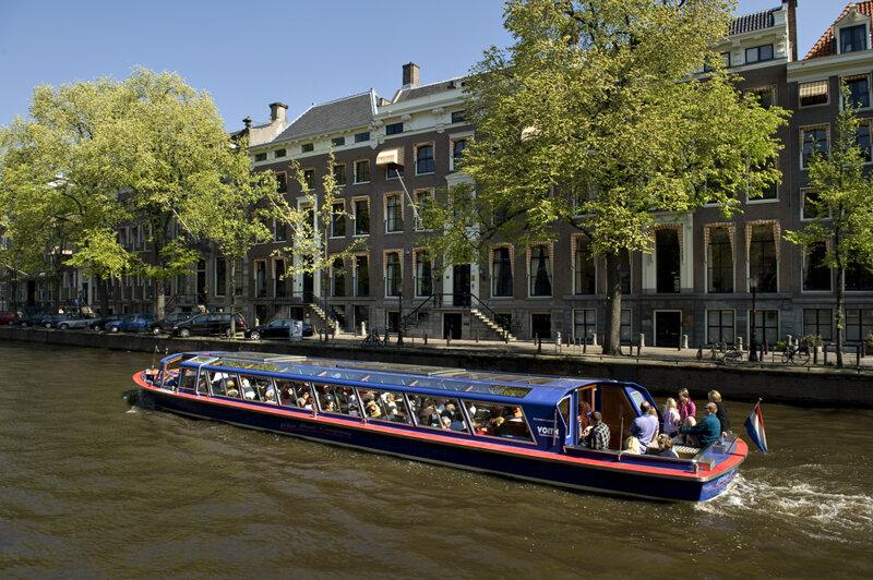 Grachtenfahrt in Amsterdam mit Blue Boat Company